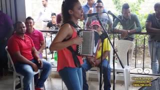 Johanna Tavarez la aldaba LOMEJORENTIPICO
