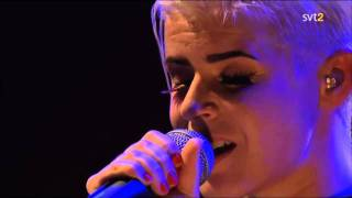 ROBYN - Be Mine! - Live from los Angeles 2008