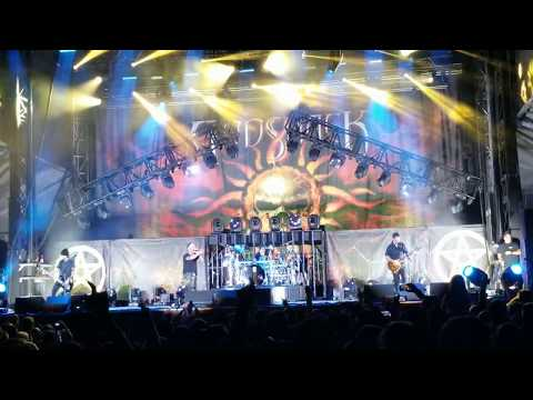 Godsmack performs Bulletproof live