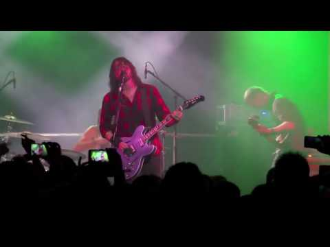 Foo Fighters - Run / Live @ Cheese and Grain