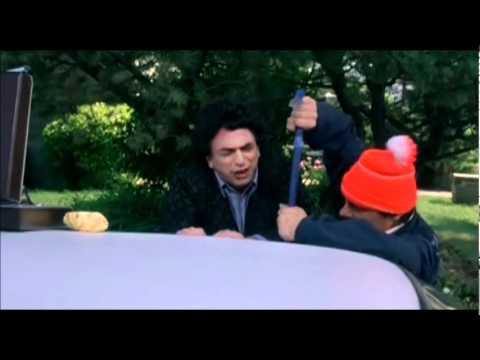 Elvis Gratton 3  Sont dans le puisard les clés!