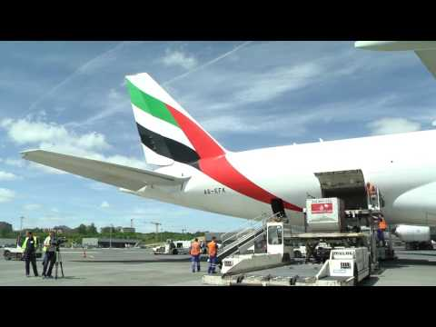 Thumbnail: Emirates SkyCargo lands in Luxembourg | Boeing 777 | Emirates