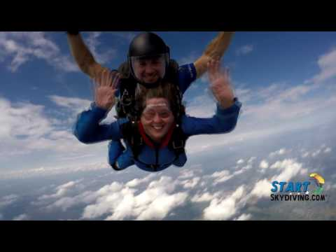 Start Skydiving.com Kimberly Hunter