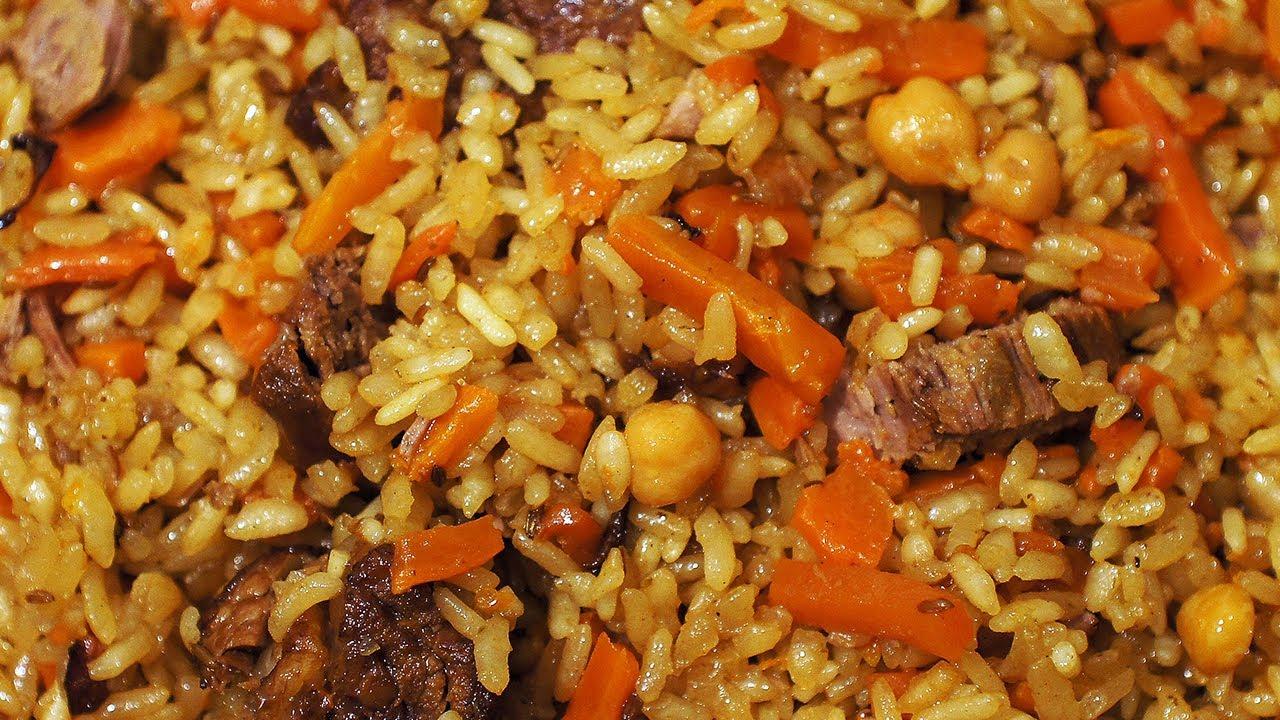 Плов из риса камолино и говядины. Uzbek plov - camolino rice and beef.