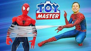 Видео про игрушки: Супергерои и Тоймастер! Человек Паук на фабрике монстров!