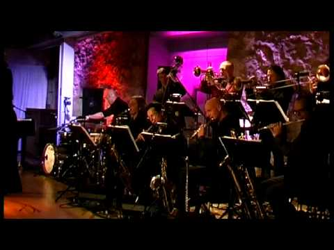 Lutz Krajenski Bigband feat. Juliano Rossi - This guy's in love