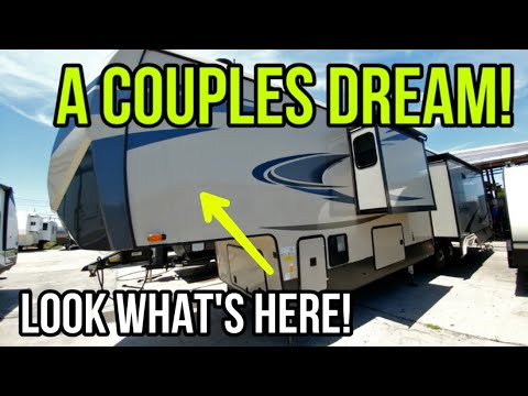 Amazing Couples Luxury Fifth Wheel! Sandpiper 368FBDS