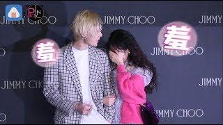 【韓國】泫雅緊勾男友合體♥公開戀愛首度現身♥被拱比愛心嬌羞甜笑