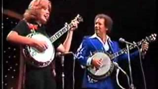 BUCK TRENT and WENDY HOLCOMBE - DUELING BANJOS / FOGGY MOUNTAIN BREAKDOWN