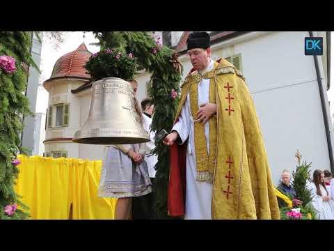 Straß: Kirchenglocke wird
