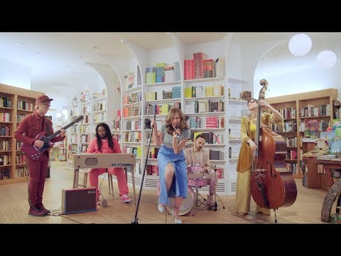 "Lake Street Dive - ""Good Kisser"" [Official Music Video]"