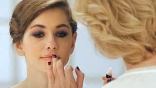 Праздничный макияж. Роскошные смоки-айс(Продолжаем учиться делать макияж вместе с визажистом! Во второй серии роликов Алена и Алина покажут, как..., 2013-12-24T11:13:34.000Z)