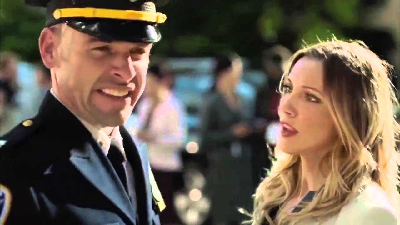 Download Arrow Season 3 bloopers