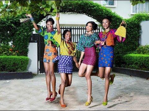 VERY DESIRABLE BLACK WOMEN {LEG SHOW}