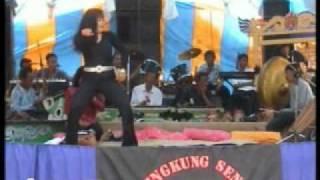 Download lagu Jaipong Panggung MP3