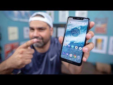 Motorola One -