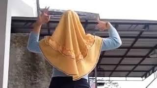 Jilbab Bergoyang Bikin Teringat