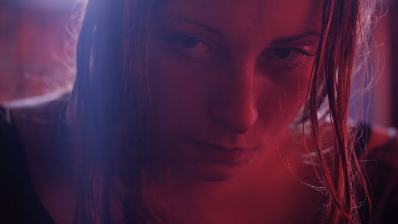 画像: HEAVEN KNOWS WHAT - Official Red Band Trailer youtu.be