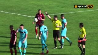 Екшън в Надежда, футболист на гостите налетя на бой на страничния съдия