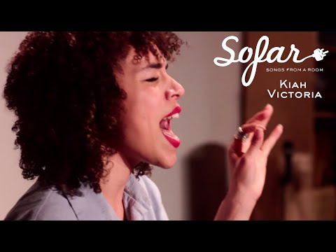 Kiah Victoria - Tralala | Sofar New York - YouTube