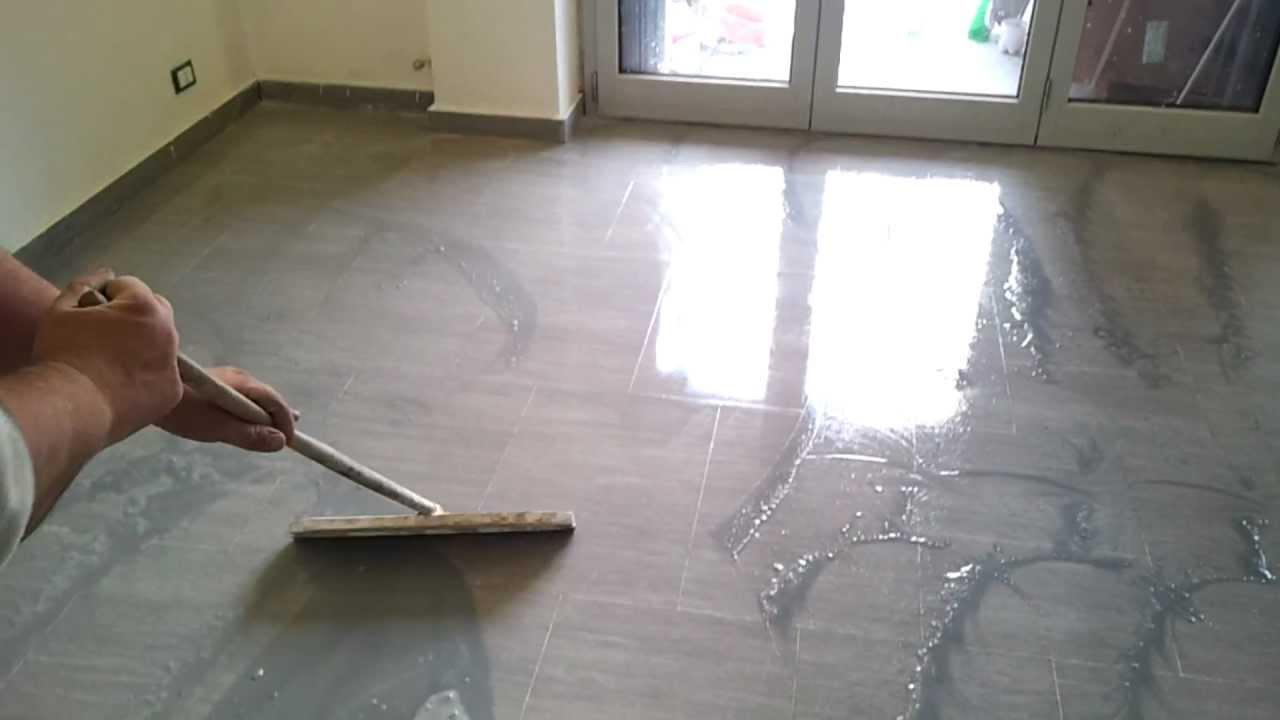Arrotatura piombatura e lucidatura di un pavimento in for Pavimento fai da te