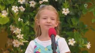 Am Roten Mikrofon: Helena Wieser aus München / Ehrlich Brothers (06.09.2015 Immer wieder Sonntags)
