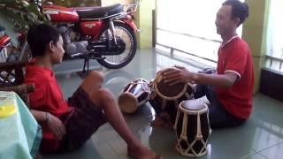 Alat Musik Tradisional (Musical Instruments : Kendang)