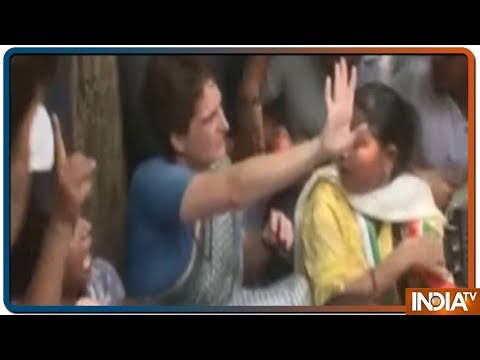 Mirzapur: सोनभद्र से मिर्जापुर आए पीड़ित परिजन, प्रियंका गांधी से मिलकर रो पड़े