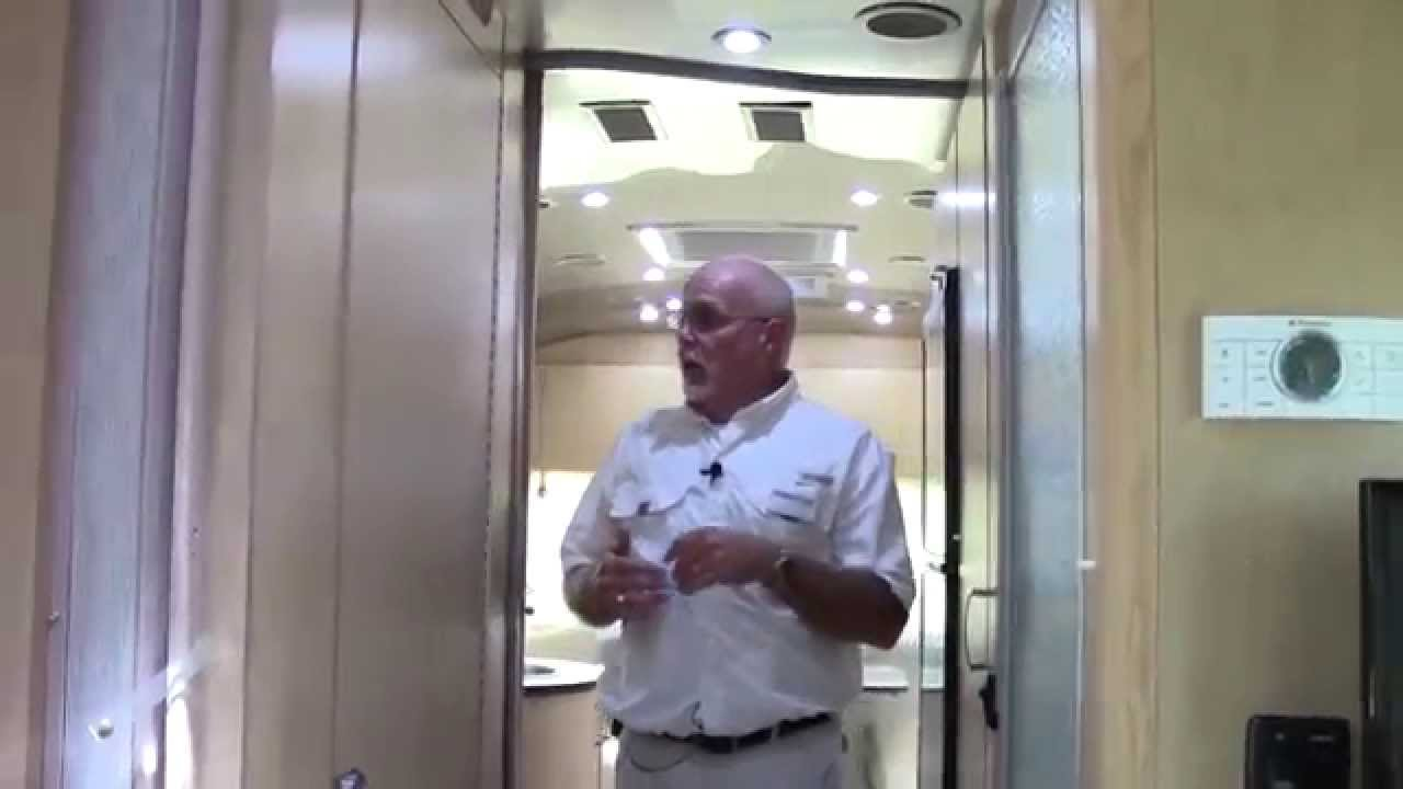 New 2015 Airstream Flying Cloud 25FB Travel Trailer RV - Holiday World of  Houston in Katy, Texas
