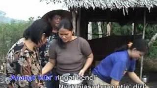 Lagu Iban Kalimantan - bebutie begeranjie.DAT
