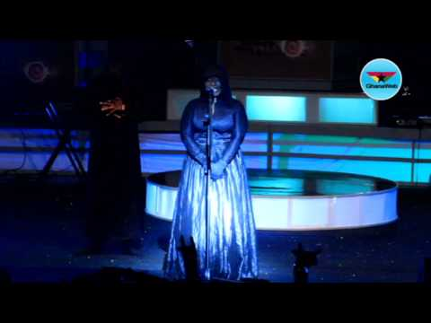 Eno arrives on stage in a coffin at Ghana meets Naija