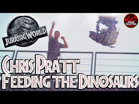 Jurassic World | CHRIS PRATT FEEDING THE DINOSAURS | Behind the Scenes
