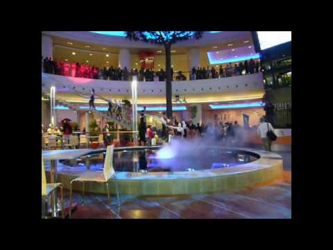 CENTRO COMMERCIALE CAMPANIA - Caserta - YouTube