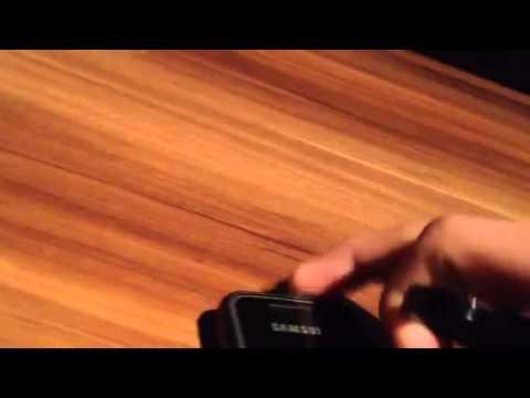 Zerstörtes Samsung GT-1050