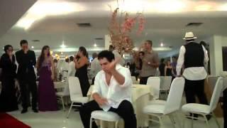 Baixar Convidado da Show em festa de casamento...