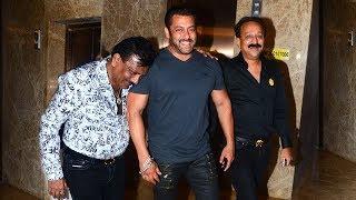 Salman khan's grand entry at ramesh tourani's diwali party 2017