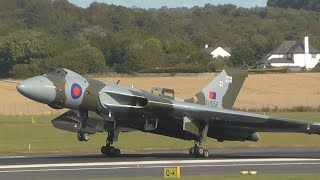 Vulcan XH558 | Nose Wheel Extension Emergency | Prestwick (ATC)