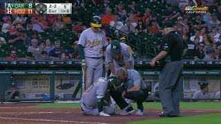 OAK@HOU: Alonso exits game from fouling ball off knee