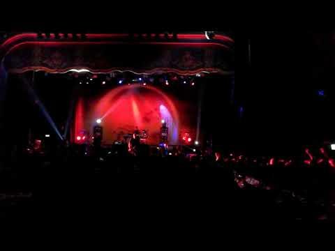 Blow Me Away - Breaking Benjamin live in London