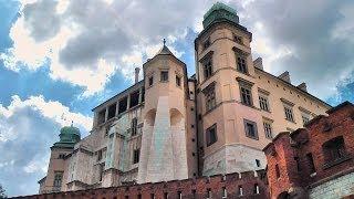 Kraków: zamek królewski na Wawelu (Cracow: Wawel Royal Castle on Wawel Hill), Poland (videoturysta)