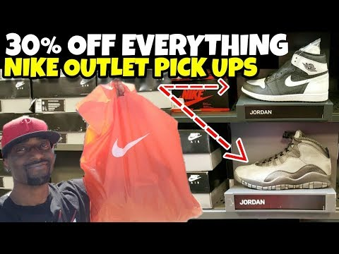 NIKE OUTLET 30% OFF EVERYTHING PICK-UPS FOR A STEAL!!!