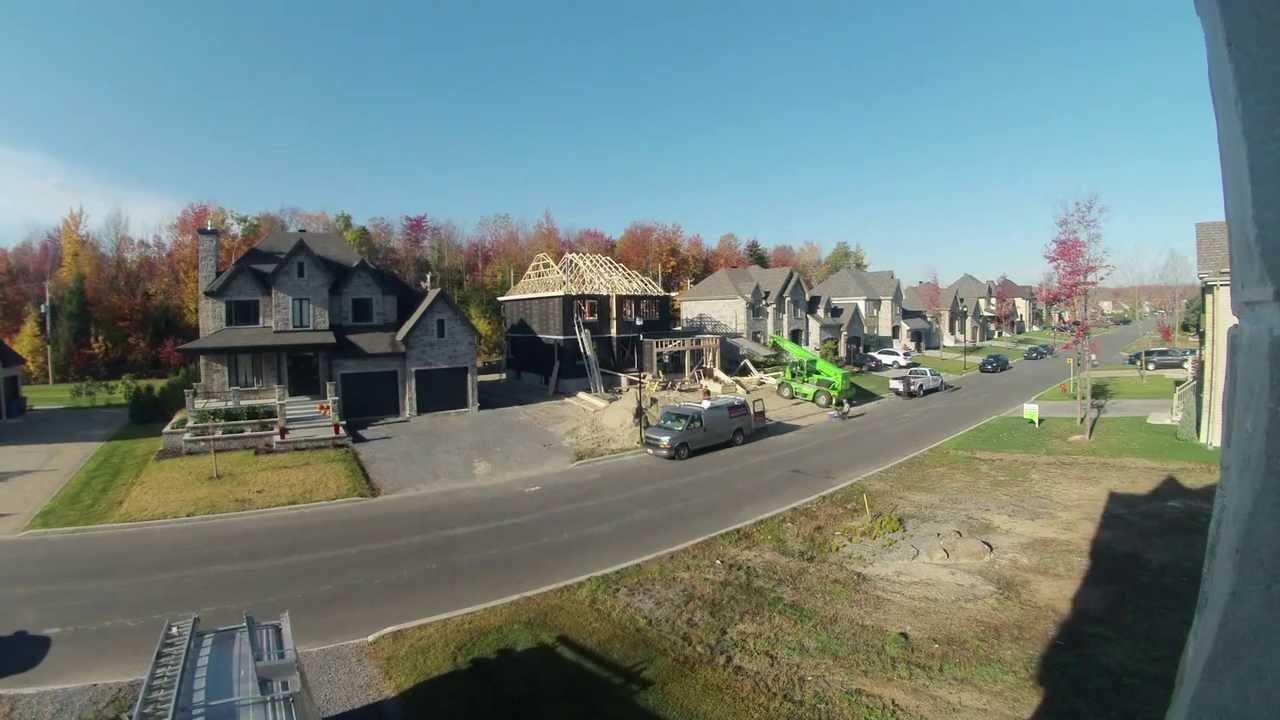 Time lapse charpente de construction de maison neuve for Construction maison neuve trois rivieres