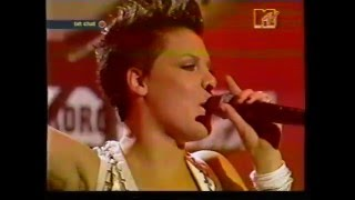 Pink perfoming live @ MTV EMAs 2002