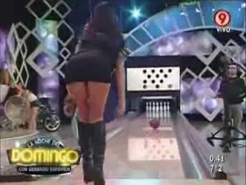 Veronica Crespo sexi bowling