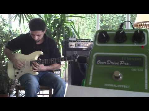 Guitar overdrive MAXON OD820