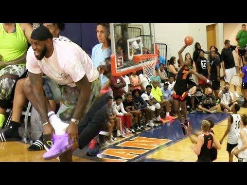 This SFG DUNK Got LeBron James Out Of His Seat And Lost A Shoe