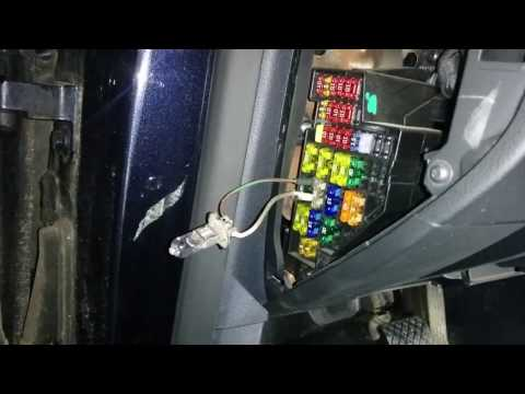 VW Passat MY2011 windscreen washer pump relay and fuse