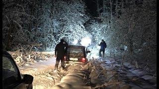 Ночной  оффроуд в зимнем лесу. Нивы на шиповке, МТ, ХТ и чирок