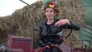 Kobiety na traktory! - dożynki wojewódzkie 2015 w Byczynie