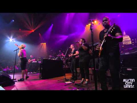 "Austin City Limits Web Exclusive: Emeli Sandé ""Breaking the Law"""